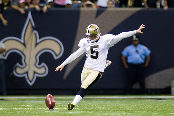 Saints-kicker-garrett-hartley-kicks-off-against-browns